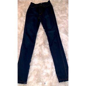 NWOT-Fashion Nova Highwaisted Jeans